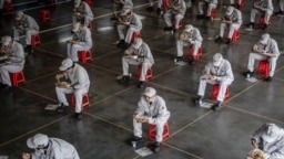 """Обед рабочих на автосборочном заводе корпорации """"Хонда"""" в Китае. 2020 год"""