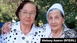 Сестры Динмухамеда Кунаева Роза и Сара. Алматы, 22 августа 2012 года.