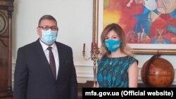 Emine Ceppar ve Filistinniñ Ukraina elçisi Gaşem Dacani