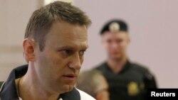 Ռուսաստան - Ալեքսեյ Նավալնին դատարանի դահլիճում, Կիրով, 2-ը հուլիսի, 2013թ․