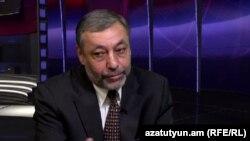 Ալեքսանդր Արզումանյանը «Ազատություն TV»-ի տաղավարում, 19-ը նոյեմբերի, 2014թ.