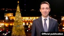 Мэр Еревана Айк Марутян выступает с новогодним обращением (архив)