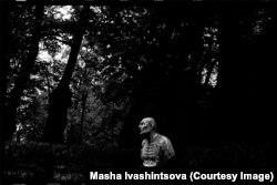 Скульптура римского философа Сенеки в Летнем саду. Ленинград, 1977 год.