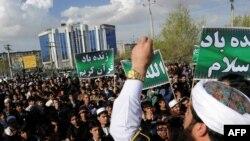 تظاهرات روز جمعه در کابل در اعتراض به قرآنسوزی. ۱ آوریل ۲۰۱۱.