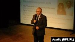 Разил Вәлиев