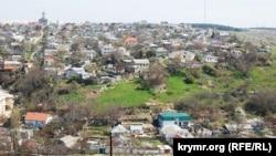 Частный сектор Севастополя. Иллюстрационное фото