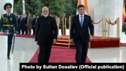 Президент Сооронбай Жээнбеков менен Индиянын премьер-министри Нарендра Моди. 14-июнь, 2019-жыл.