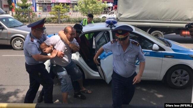 Задержания в Шымкенте. 9 июня 2019 года.