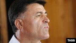 Съезд проголосовал за выдвижение кандидатом в президенты Леонида Дзапшба