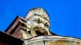 Element Art Nouveau în așteptarea consolidării și restaurării (zona Lipscani), București