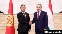 Министр иностранных дел КР Руслан Казакбаев и глава внешнеполитического ведомства РТ Сироджиддин Мухриддин.
