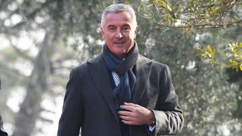 Afere nedovoljne za ostavku Đukanovića
