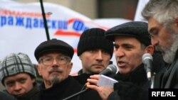 Гарри Каспаров вытупил на митинге, но был задержан во время шествия