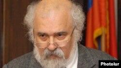 Ռագըփ Զարաքօլուն Երեւանում, փետրվար, 2011թ.