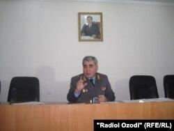 Генерал Шариф Назарзода, сардори Раёсати ВКД дар Душанбе.