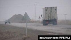 Aşgabat Türkmenbaşy ýoly