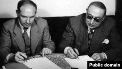 İranın baş naziri Əhməd Qəvam və səfir Ivan Sadchikov 1946-cı ildə İranın Sovet qoşunları tərəfindən işğalının bitməsinə dair sənəd imzalamışdılar.