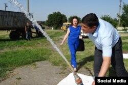 Міський голова Ізмаїлу перевіряє насосні станції (Фото з соцмереж: Мілана Атмажова)