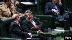 وزیر کشور و شهردار تهران گزارشهای خود درباره حادثه پلاسکو را به مجلس ارایه کردند.
