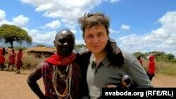 Франак Вячорка (справа) з маладым масаем