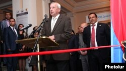 Armenia - Prosperous Armenia Party leader Gagik Tsarukian (R) at the opening of a Russian-Armenian trade exhibition in Yerevan, 24Oct2012.