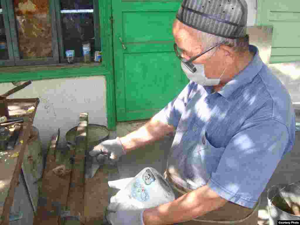 Пара штрихов и чайник отремонтирован