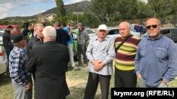 Abdureşit Cepparov (sağda) Taraqtaştaki köydeşler körüşüvinde