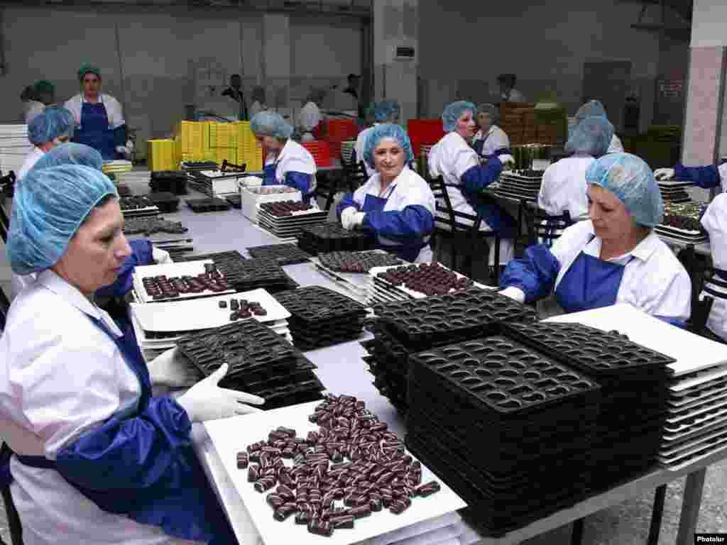 Армения. На шоколадной фабрике