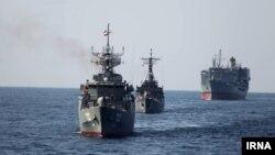 Иранские военные корабли.