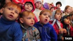 Російські діти-сироти
