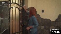 Знімальна група навідалась до його маєтку в п'ятницю – проте двері не відкрив навіть охоронець