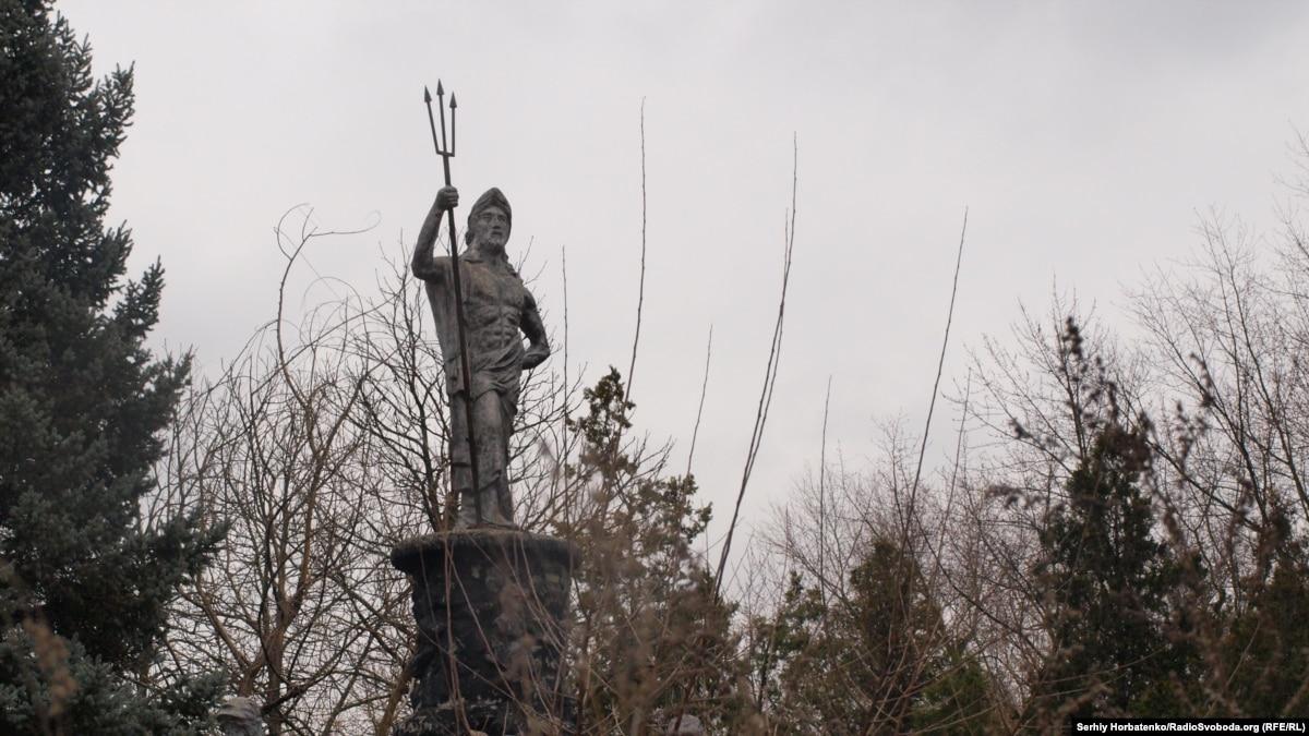 «Когда-нибудь в апреле»: лучший курорт Донбасса в разрухе