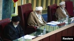 یزدی، مهدوی کنی، هاشمی شاهرودی در یکی از جلسات مجلس خبرگان رهبری