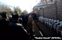 Prison guard Ehson Yoqubov was buried the day after the riot in Khujand.