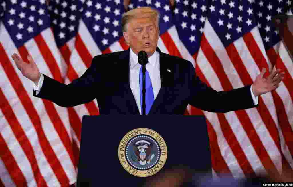 Donald Trump amerikai elnök a 2020-as elnökválasztás előzetes eredményeiről beszélt november 4-én a Fehér Házban.