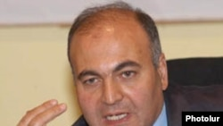 Депутат Виктор Даллакян