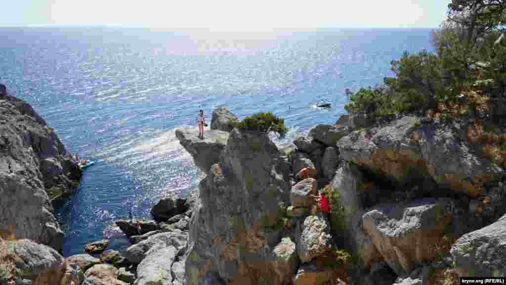 Природний аквальний комплекс рясніє живописними берегами