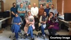 نامه استعفای این افراد روز جمعه (دوم شهریور) در وبسایت فدراسیون بینالمللی روزنامهنگاران منتشر شده است.