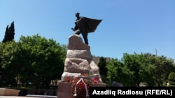 9 mayda Sovet İttifaqı qəhrəmanı Mehdi Hüseynzadənin heykəli