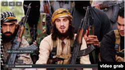 Французские боевики ИГ записывают видеообращение.
