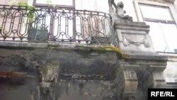 Аварійний балкон на вулиці Вірменській у Львові