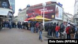 Karte za meč Hrvatske i Srbije 'planule' su na prodajnim mjestima u Hrvatskoj još u veljači. Foto iz Zagreba 21. veljače 2013.