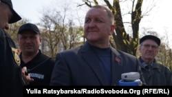 Керівник забороненої громадської організації «Союз радянських офіцерів» Віктор Марченко, якого 7 листопада доправили до поліції Дніпра для надання пояснень після покладання квітів до пам'ятника «героям революції 1917 року»