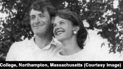 Тэд Хьюз и Сильвия Плат, 1956. Фото Harry Ogden