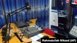 آرشیف، یکی از رادیوهای محلی در افغانستان