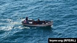 Балаклавцы возвращаются с морской рыбалки