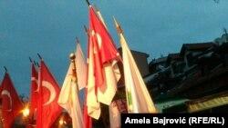 Novi Pazar, protest, zastave