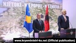 Kryeministri i Kosovës, Ramush Haradinaj, dhe ai i Shqipërisë, Edi Rama.