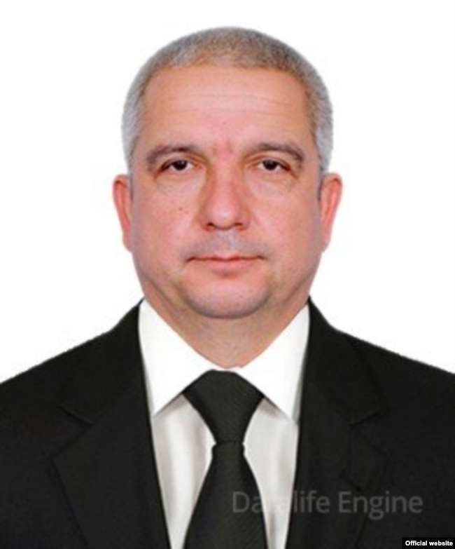 Гурлан тумани ҳокими Алишер Салаев