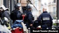 Правоохоронці: напад здійснив адміністратор поліцейського відділку в Парижі